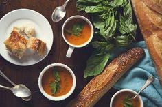 One Pot Creamy Vegan Tomato Soup