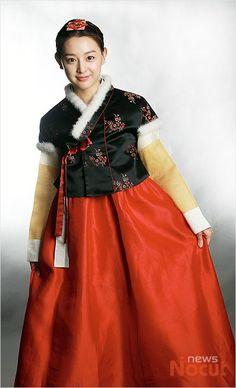 김지원,'한복 입고 설날 인사드려요'Kim Ji-won. Korean traditional clothe, han-bok
