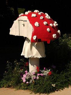 mushroom mailbox with stem ring