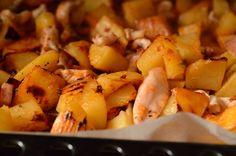 Cartofi la cuptor cu pui si cascaval - Rețete Papa Bun Potatoes, Vegetables, Food, Potato, Essen, Vegetable Recipes, Meals, Yemek, Veggies