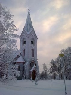 Beautiful church covered in a fresh blanket of white snow! Old Country Churches, Old Churches, Beautiful Buildings, Beautiful Places, My Father's House, Church Pictures, Take Me To Church, Winter Scenery, Church Architecture