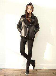 Korean Street Style   Free Worldwide Shipping http://en.thejamy.com/goods.php?id=165636