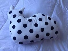 Kissatyyny Handmade Home, Home Textile, Bean Bag Chair, Dots, Textiles, Home Decor, Stitches, Decoration Home, Room Decor