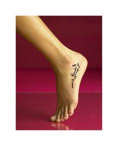 Fiz esse desenho pra tatoo de uma amiga..     Sold in Over 100 Countries WorldWine !  Lear step-by-stephttp://tinyurl.com/cec7qoe