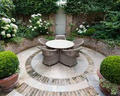 Brick Garden, Sunken Garden, Moss Garden, Garden Fencing, Sunken Patio, Design Patio, Small Garden Design, Mediterranean Garden Design, Rogers Gardens