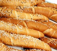pivní rohlíky Vegetarian Recipes, Cooking Recipes, Bread Recipes, Pasta Cake, Czech Recipes, Good Food, Yummy Food, Bread And Pastries, Fresh Bread