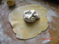 Pachetele cu nuci – Prăjiturici şi alte dulciuri. Dairy, Cheese, Cookies, Food, Cheesecake, Pies, Crack Crackers, Eten, Cookie Recipes