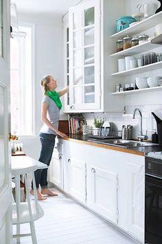 white kitchen, open shelves