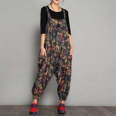 Type:JumpsuitWaist type:High waistMaterial: CottonSeason:Spring,Summer,Autumn Color:As the pictureSize:One Casual Dresses For Women, Trendy Outfits, Cool Outfits, Fashion Outfits, Looks Hippie, Mode Boho, Casual Jumpsuit, Floral Jumpsuit, Denim Romper