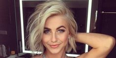 Multi-talented performer Julianne Hough celebrates her birthday. See the many ways she styles her short hair. Updo, Julianne Hough Short Hair, Styles Bob, Corte Y Color, Hair Color And Cut, Pretty Hairstyles, Textured Bob Hairstyles, Wavy Bob Haircuts, Great Hair
