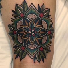 """864 mentions J'aime, 11 commentaires - •only tattoo.one luv (@micotattoo) sur Instagram : """"_ #mandala #mandalatattoo 오금이 저렷..겟죠 뒷허벅지 """""""