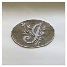 """MONOGRAMME lettre """"I"""" BRODERIE BLANCHE SUR LIN NATUREL : Autres pièces pour créations par marsanna-creations"""