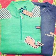 vineyard vines patterned green shep shirt!