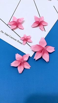 creative crafts let's do together!😘😘😍😍Do let me know in the comment how it goes. :)💗💗You can also find some other content in my blog.If you like it, share it with your social media and friends Cool Paper Crafts, Paper Flowers Craft, Paper Crafts Origami, Flower Crafts, Origami Flowers, Newspaper Crafts, Paper Roses, Diy Crafts Hacks, Diy Crafts For Gifts