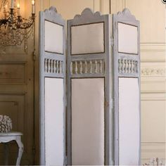 French Country Bedroom Sets and Headboards . French Country B French Country Bedrooms, French Country Cottage, French Country Style, French Country Decorating, Bedroom Country, Cottage Decorating, Decorating Ideas, Country Charm, Country Homes