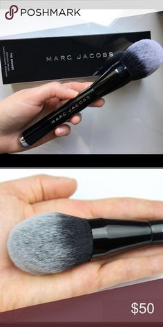 Marc Jacobs Bronzer brush My friend purchase this brush at Sephora and gave it to me as a gift but I have too many brushes already so I decided to seller Marc by Marc Jacobs Makeup Brushes & Tools