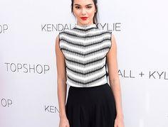 Kendall Jenner - stylizacja z czarnymi kulotami i wiązanymi szpilkami, trendy, stylizacje, get the look, topshop