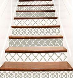 Treppe Fliese Dekorbogen  Trellis besteht aus 3 verschiedenen Ausführungen. Sie können alle drei, 2 haben oder nur eine. Blättern Sie durch die Pikten Farbe und Design-Entscheidungen und Ihrer Auswahl an der Kasse zusammen mit der Größe Ihrer Tragegurte.  Eine Bestellung = eine Steigleitung Aufkleber, so haben Sie 7 Treppen, 7 Aufkleber bestellen. Riser Aufkleber sind auf Ihre Größen alle individuell geschnitten.  Während sich durch den Check-out-Prozess und gerade bevor Sie Etsy zur Zahlung…