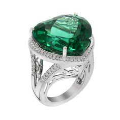 Valentine Day Special - 18 kt White gold emerald heart shape diamond ring