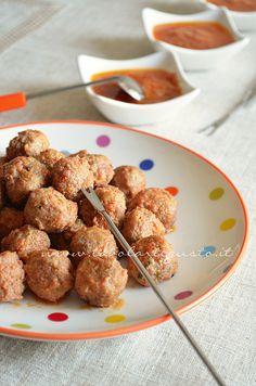 Polpette in umido di carne e salsiccia - Ricetta Polpette in umido - Tavolartegusto.it