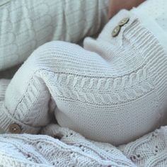 2,559 отметок «Нравится», 17 комментариев — @klompelompe в Instagram: «Ei herlig lita bleierumpe i minstenbuksa :) #klompelompe #klompelompebok2 #minstenbukse cutest…»