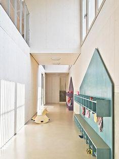 Kindergarten - VON M - Bildungsarchitektur Kindergarten Architecture, Kindergarten Interior, Kindergarten Design, Kindergarten Lesson Plans, School Architecture, Daycare Design, School Design, Nursery School, Learning Spaces