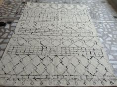 Modern rug with recycled silk