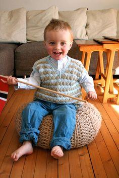 Ola´s vest - free knitting pattern - Pickles