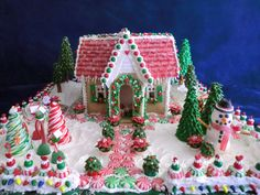 Gingerbread house~nice landscaping....<3