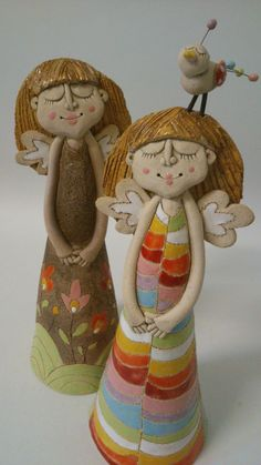 Cool Clay Angels for Christmas Decorations Pottery Ideas Clay Angel, Ceramic Clay, Ceramic Pottery, Pottery Art, Clay Projects, Clay Crafts, Pottery Angels, Clay People, Ceramic Angels