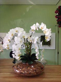 Arranjo permanente orquídea Super Jardim www. Orchid Flower Arrangements, Artificial Floral Arrangements, Orchid Centerpieces, Artificial Orchids, Indoor Orchids, Orchids Garden, Orchid Plants, Indoor Plants, Ikebana