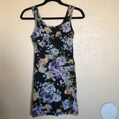 Forever 21 Bodycon Dress XXI floral bodycon dress. Soft and comfortable. Size S. Forever 21 Dresses Mini