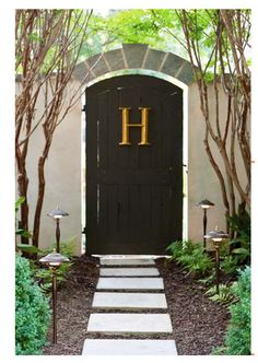 love this outdoor entrance