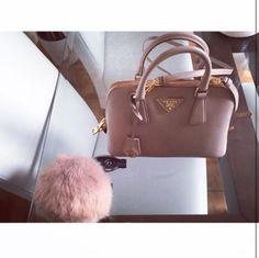 @liztaylorxo Diese und weitere Taschen auf www.designertaschen-shops.de entdecken