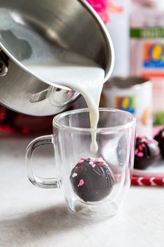 Hot Chocolate Bombs Recipe Homemade Hot Chocolate, Chocolate Bomb, Hot Chocolate Recipes, Chocolate Molds, Melting Chocolate, Molten Lava Cakes, Bombe Recipe, Hot Cocoa Mixes, Mini Marshmallows