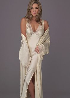 fb6d3958356b3 Beauty collection Silk Nightgown