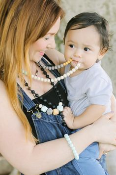 Nicole Silicone Teething Necklace, Sweet Mint