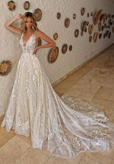 Wedding Dress Inspiration Enzoani 2019 vintageweddingdress is part of Wedding dresses - Wedding Dress Styles, Dream Wedding Dresses, Designer Wedding Dresses, Bridal Dresses, Wedding Gowns, Event Dresses, Lace Weddings, Boho Wedding Dress, Stunning Wedding Dresses