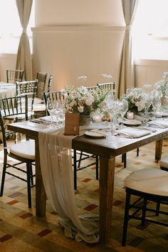 686 best table runners images in 2019 event planning linen rh pinterest com