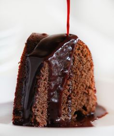 This amazing chocolate glaze could not be easier and is the perfect treat for wine lovers!