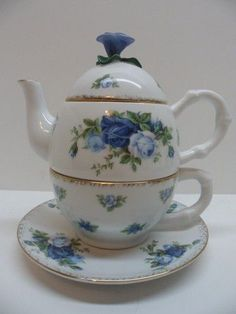 Royal Albert Moonlight Rose pattern tea for one teaset (teapot, cup and saucer), blue rose flower knob, bone china, UK Tea For One, My Cup Of Tea, Teapots And Cups, Teacups, China Tea Cups, Rose Tea, Tea Service, Chocolate Pots, Vintage Tea
