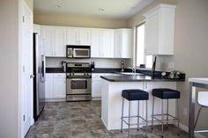 Кафельный пол на кухне