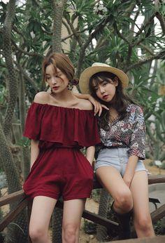 Korean Fashion Trends you can Steal – Designer Fashion Tips Korean Fashion Trends, Korean Street Fashion, Korea Fashion, Asian Fashion, Look Fashion, Daily Fashion, Girl Fashion, Fashion Outfits, Womens Fashion