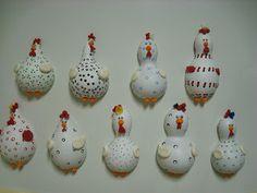 Pérola Artesanatos: Mini galinhas de cabaça e biscuit