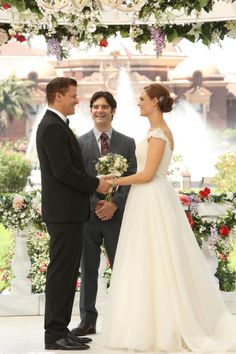 <3 The wedding <3 love them so much <3 Bones and Booth