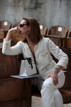 Carole Bouquet                                                       …