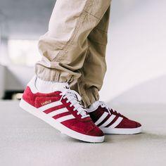 eeb8545a32 Spring & Summer Sneakers ·
