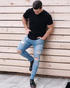 Blue Jeans Outfit Summer, Light Blue Jeans Outfit, Blue Jean Outfits, Light Jeans, Summer Outfits, Camisa Lisa, Hipster Vintage, Jeans Azul, Outfits Hombre