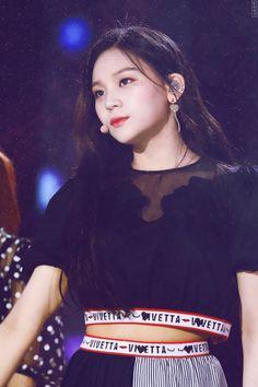 Gfriend at Dream Concert 2018 Cr: owner Heizesh Kpop Girl Groups, Korean Girl Groups, Kpop Girls, Sinb Gfriend, Kim Ye Won, Pop Photos, Dream Concert, Fandom, Entertainment