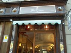 Tende da sole Torino  tende da sole per negozi e attività commerciali  M.F. Tende e tendaggi  Via Magenta 61 10128 Torino   Tel.:01119714234  Fax:01119791445   Cell.:3924999999   Email:m.f.tendaggi@gmail.com